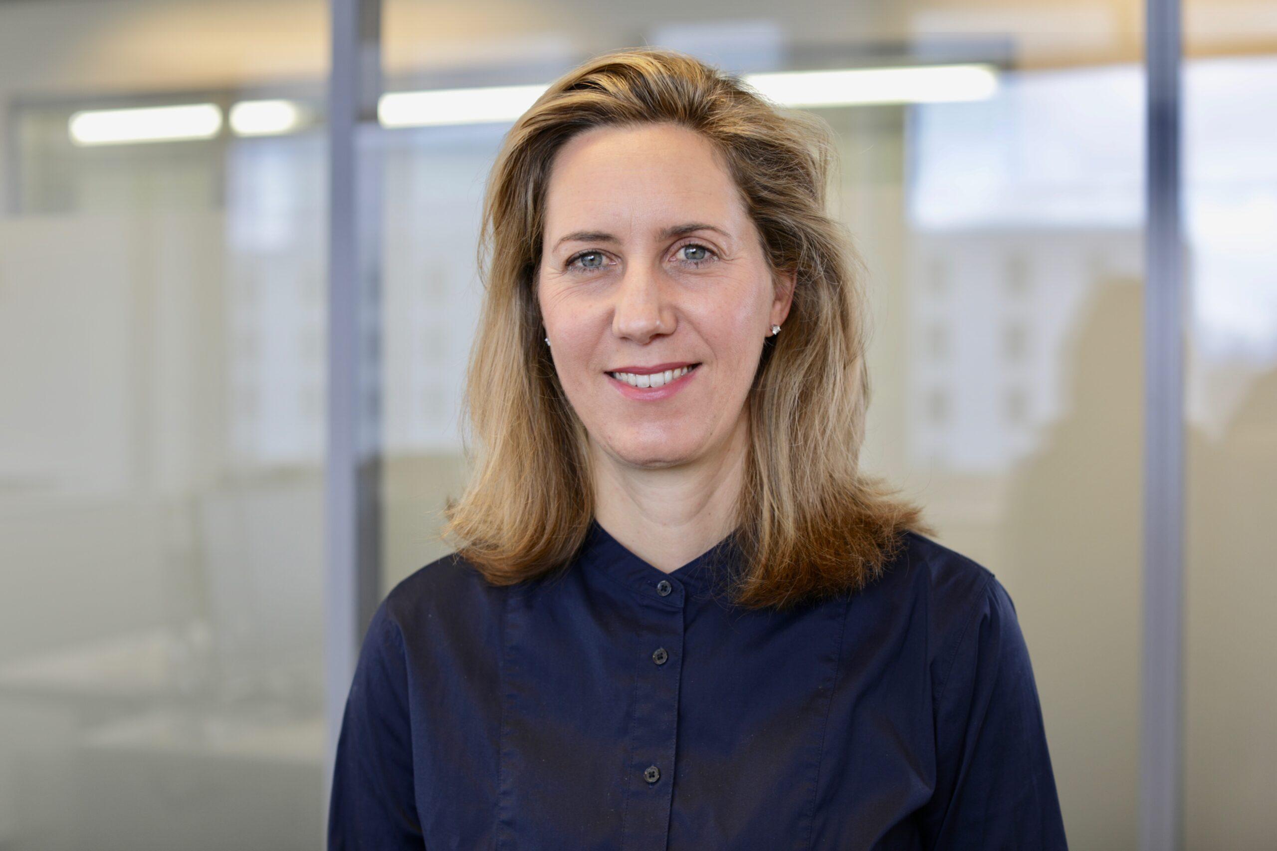Stephanie FERNANDO